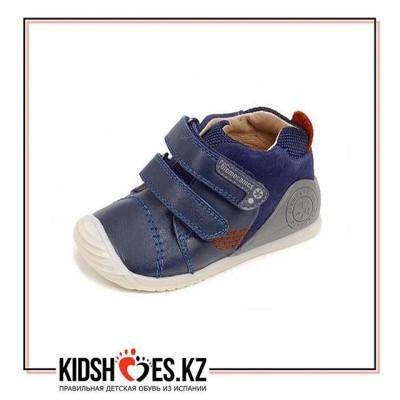 Ботиночки Biomecanics #кзгарвалин_ботинкимальчику .  Размеры 22-23, цена 18900 тенге. Серия
